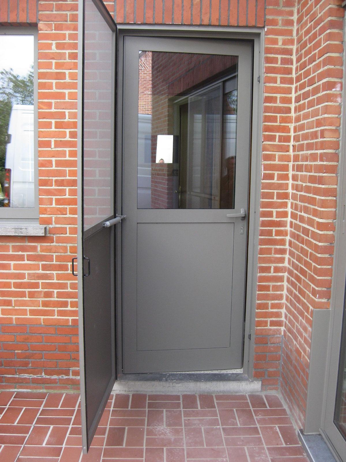 Fenster und t ren aus kunststoff mobelec - Fenster und turen nachtraglich sichern ...
